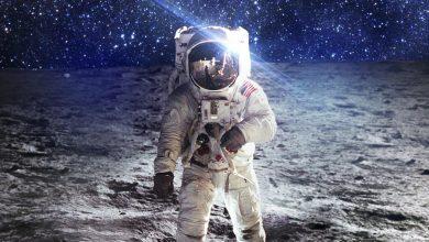 """أول رائد فضاء من ذوي الإعاقة حاملاً شعار """"الفضاء للجميع"""""""