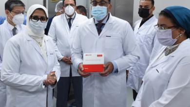 رئيس الوزراء يشهد إنتاج أول مليون جرعة من لقاح فيروس كورونا